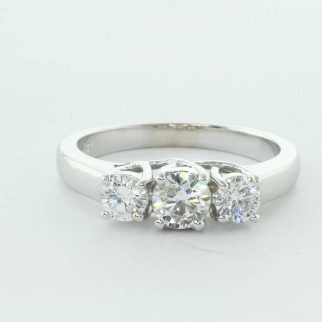 U shape 3 stone ring