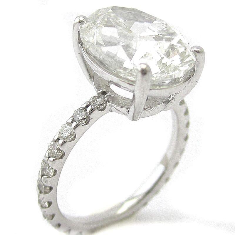 oval shape diamnond ring