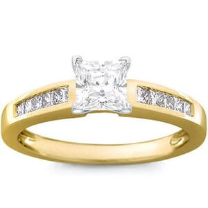 1093 -  Diamond Engagement Ring With Side Stones (0.65 Ct.Tw)