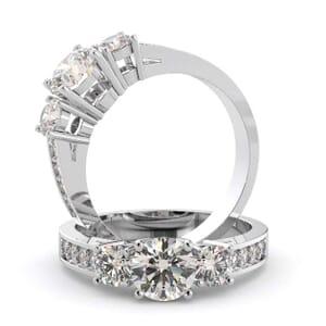 1467 - Stunning Diamond Engagement Ring With Round Diamonds