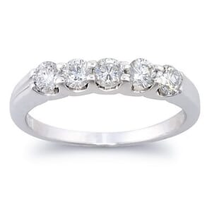 2662 - Diamond Ring Set With Round Brilliant Diamonds (0.7 Ct. Tw.)