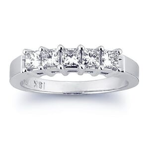 2707 - Diamond Wedding Ring 3/4 Carat, Set With Princess Diamonds