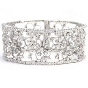 3402 - Stunning Diamond Bangle Set With Round Brilliant Diamonds (5.55 Ct. Tw.)