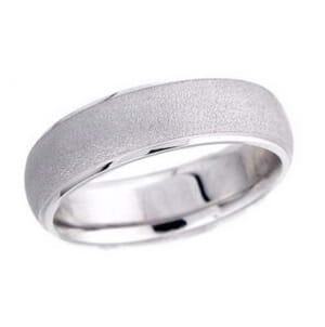 4607 - 6 Mm  Wedding Ring 8.9 Grams