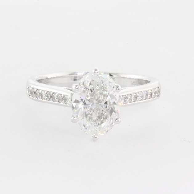 14K White Gold Set With 1.30 Carat Oval Diamond G Colour VS2 Clarity GIA Certified