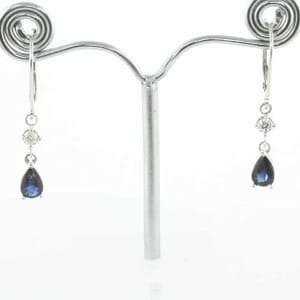 5343 - blue sapphires and diamonds earrings
