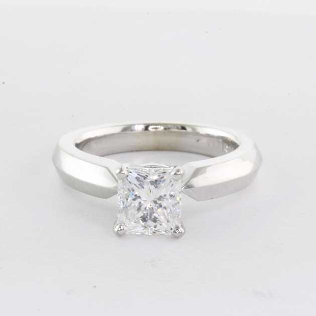 18K White Gold Set With 1.00 Carat Radiant Diamond F Colour VVS2 Clarity GIA Certified Excellent Polish Very Good Symmetry