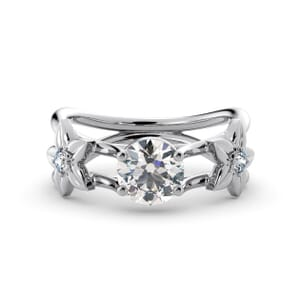 5799 - Round Diamond Diamond Ring With Floral Detail