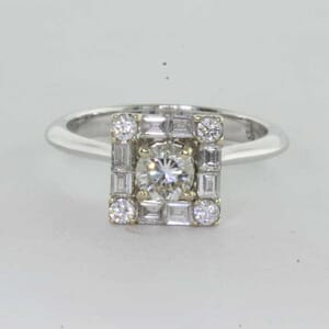 6418 - Round Brilliant Cut and Baguette Diamonds Halo