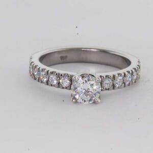 6443 - Sparkling Diamon Ring