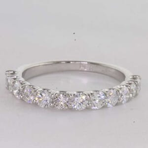 6454 - 1.00 carat share prongs wedding ring