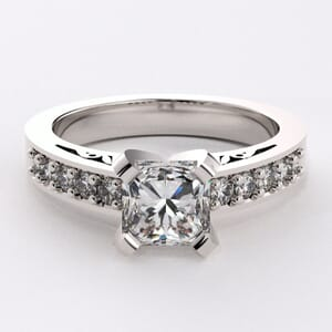1707 - Stylish Engagement Ring With With Side Stones